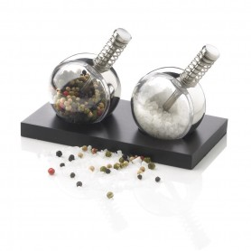 Planet pepper & salt set